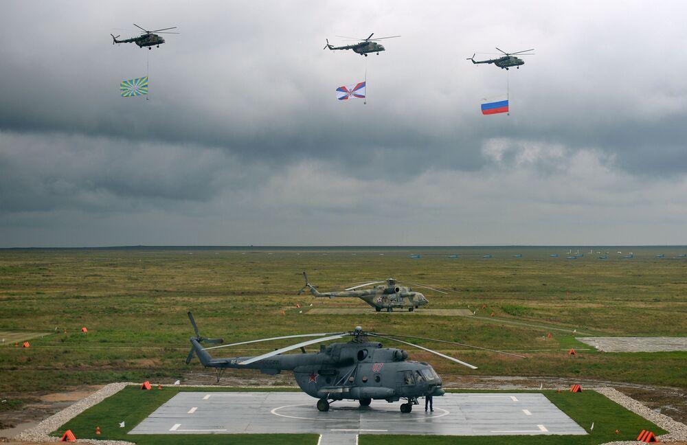 Śmigłowce Mi-8.