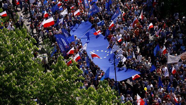 Marsz KOD w Warszawie - Sputnik Polska