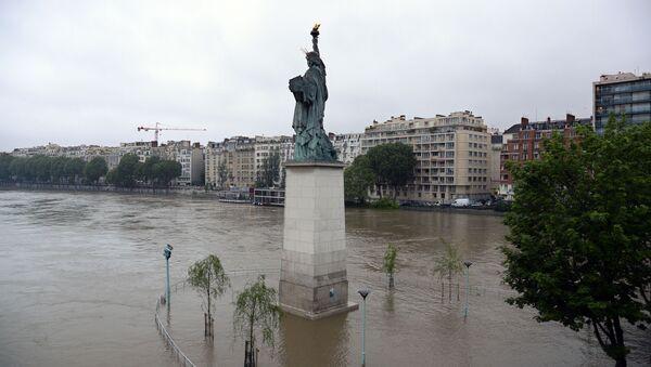 Powódź w Paryżu - Sputnik Polska