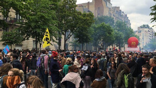 Protesty przeciwko reformie prawa pracy. Paryż. - Sputnik Polska