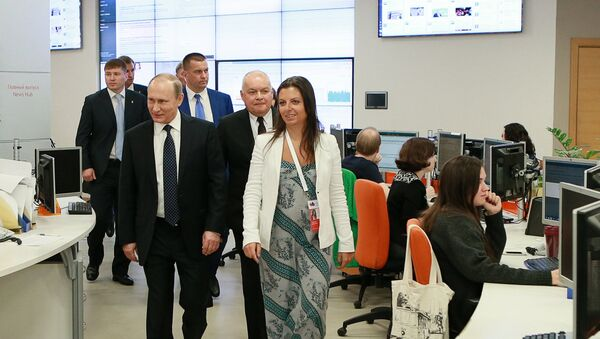 "W MIA ""Rossiya segodnya"" pokazano Putinowi, jak pracuje radio Sputnik - Sputnik Polska"