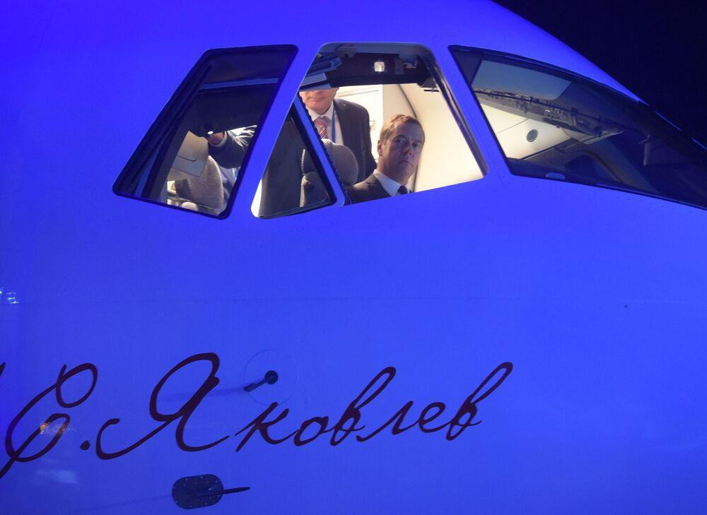 Nowy samolot przetestował również premier Rosji Dmitrij Miedwiediew.