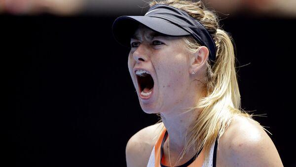 Теннисистка Мария Шарапова во время матча с Сереной Уильямс на турнире Australian Open - Sputnik Polska