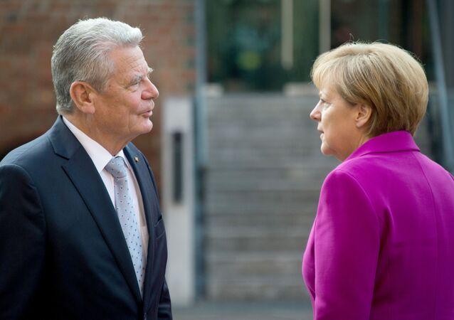 Joachim Gauck i Angela Merkel