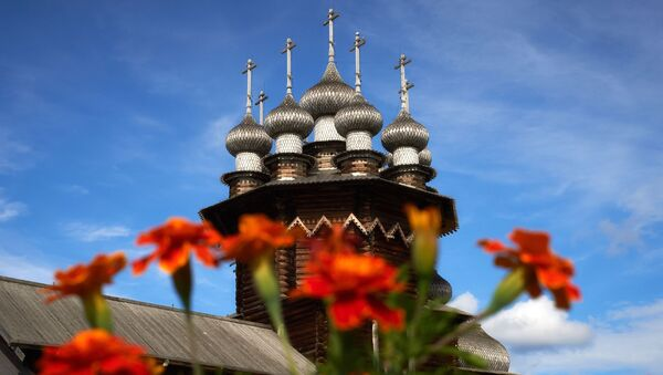 Integralna część kiżskiego zespołu architektonicznego – cerkiew Pokrowskaja wybudowana w 1764 roku. - Sputnik Polska