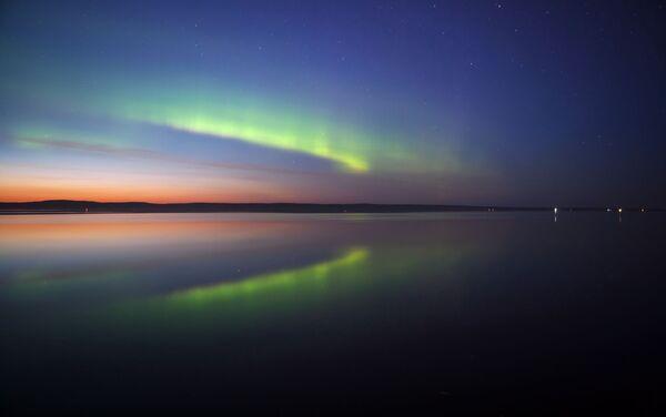 Pod koniec sierpnia w Karelii można zobaczyć pełne zaćmienie, spowodowane mijającymi białymi nocami, a także wzmożone świecenie księżyca i gwiazd na niebie. - Sputnik Polska