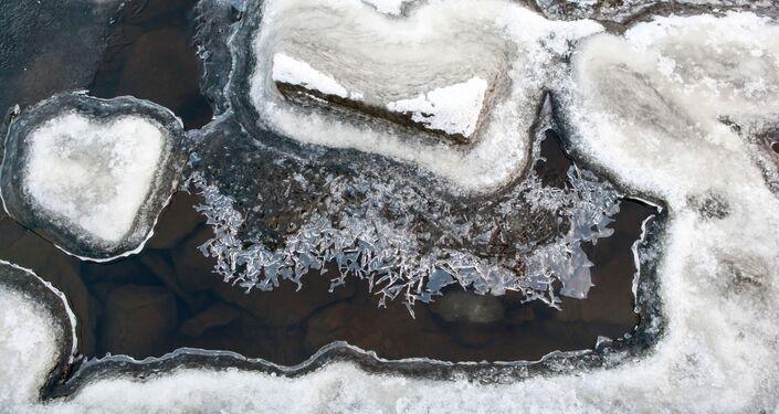 Karelia – to terytorium niebieskich jezior. Jest ich tutaj wiele – ponad 60 tysięcy. Największe z nich – Ładoga (17 678 km²) i Onega (9720 km²) – to zarazem największe jeziora Europy.