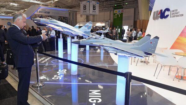 Stanowisko Połączonej Korporacji Budownictwa Lotniczego na Międzynarodowej Wystawie Paris Air Show Le Bourget 2015 - Sputnik Polska