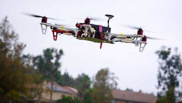 Quadrocopter - Sputnik Polska