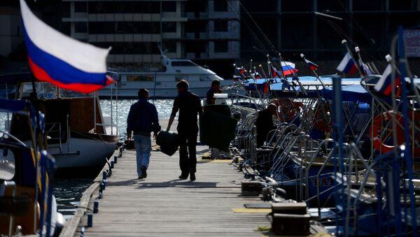 Rosyjskie flagi na jachtach, Bałakława, Krym - Sputnik Polska