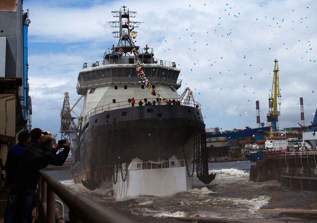"""Spalinowo-elektryczny lodołamacz projektu 21180 """"Ilja Muromiec"""" dla Marynarki Wojennej Rosji został zwodowany w Petersburgu"""