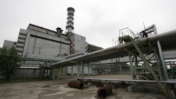 Czwarty reaktor elektrowni atomowej w Czarnobylu, który znajduje się pod sarkofagiem - Sputnik Polska