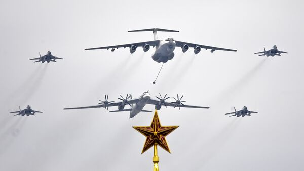 Samoloty nad placem Czerwonym - Sputnik Polska