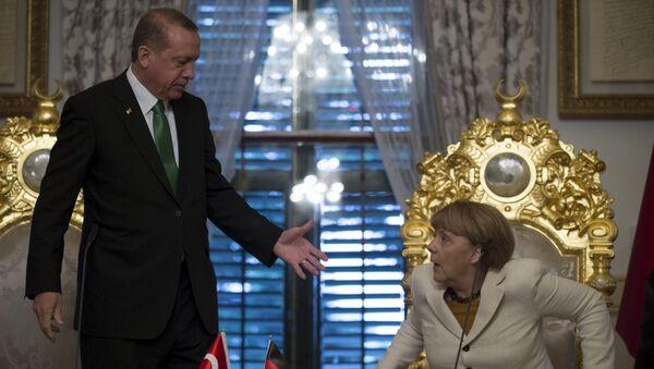 Angela Merkel i Recep Tayyip  Erdogan - Sputnik Polska
