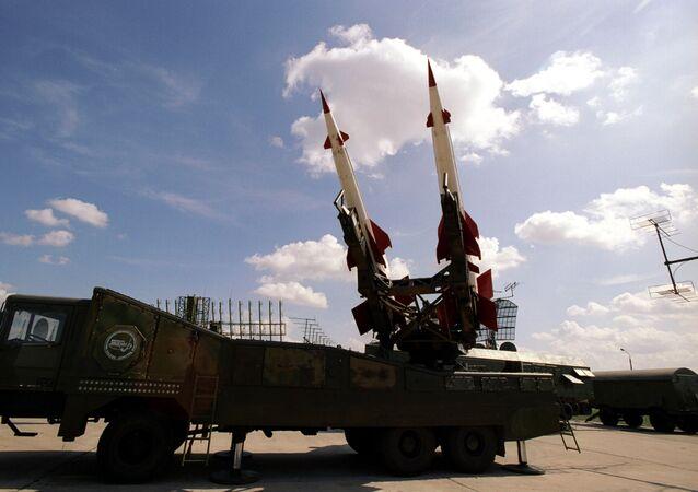 Przeciwlotniczy system rakietowy Peczora-2M na VI Międzynarodowym Pokazie Lotniczym i Kosmicznym MAKS-2003 w Żukowskim
