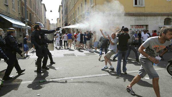 Euro 2016, zamieszki w Marsylii pomiędzy kibicami z Rosji i Anglii - Sputnik Polska