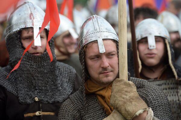 Głównym tematem festiwalu stały się książęce waśnie i walka z narodami koczowniczymi z czasów Rusi Kijowskiej. - Sputnik Polska