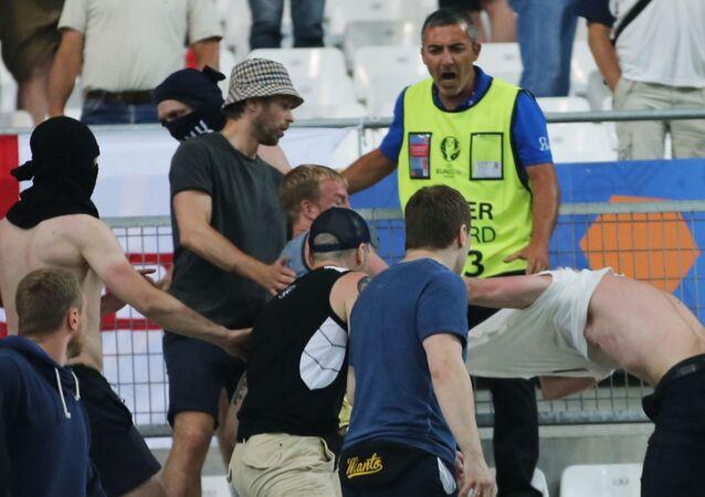 Bójka kibiców na trybunie po meczu fazy grupowej Euro 2016