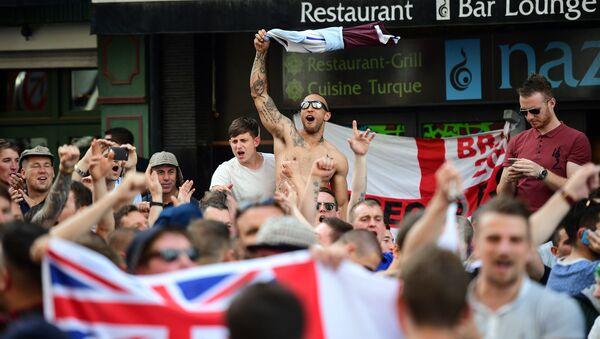 Brytyjscy kibole na Euro 2016 w Lille - Sputnik Polska
