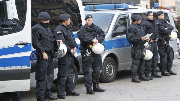 Niemieccy policjanci w Kolonii - Sputnik Polska
