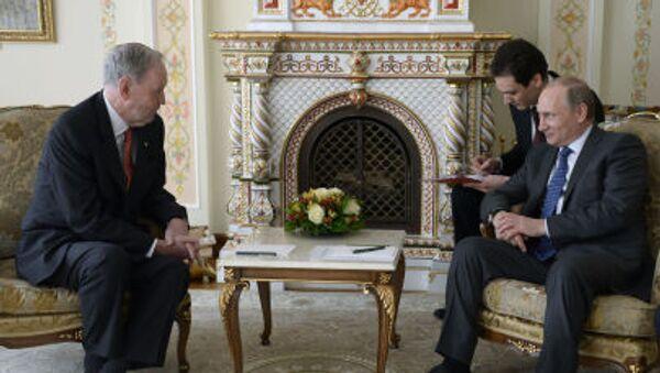 Spotkanie byłego premiera Kanady Jean Chrétien z prezydentem Rosji Władimirem Putinem. - Sputnik Polska