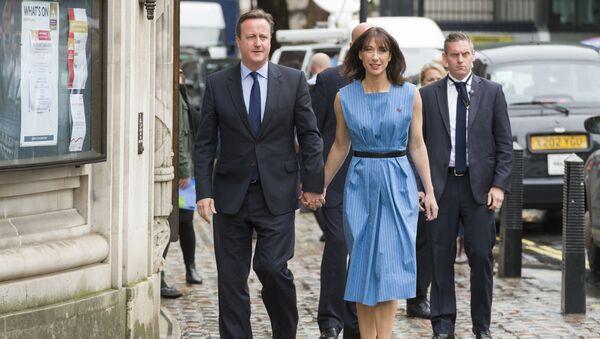 Premier Wielkiej Brytanii David Cameron i jego żona Samantha  - Sputnik Polska