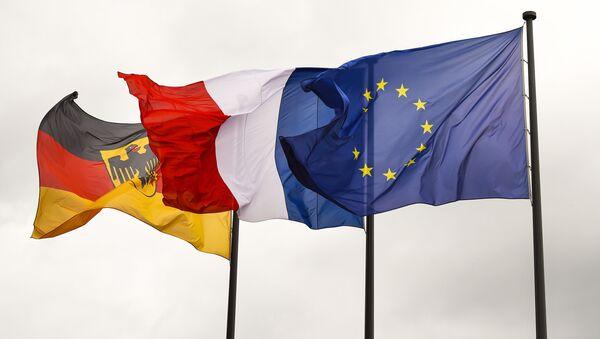 Flagi Niemiec, Francji i UE - Sputnik Polska