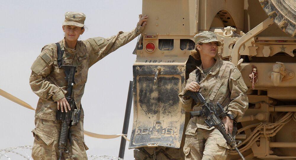 Żołnierze amerykańskiej armii w bazie wojskowej