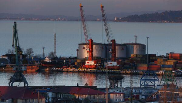 Port morski i terminal naftowy w Batumi - Sputnik Polska