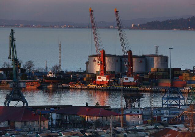 Port morski i terminal naftowy w Batumi