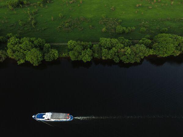 Rzeka Moskwa na terenie dawnej rezydencji wielkich książąt moskiewskich, a następnie carów w Kołomienskoje - Sputnik Polska