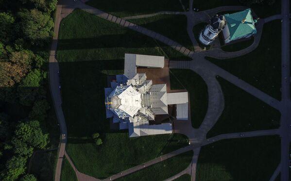 Cerkiew Wniebowstąpienia Pańskiego w Moskwie  na terenie dawnej rezydencji wielkich książąt moskiewskich, a następnie carów w Kołomienskoje - Sputnik Polska