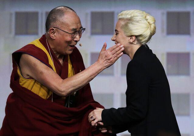Dalajlama i Lady Gaga