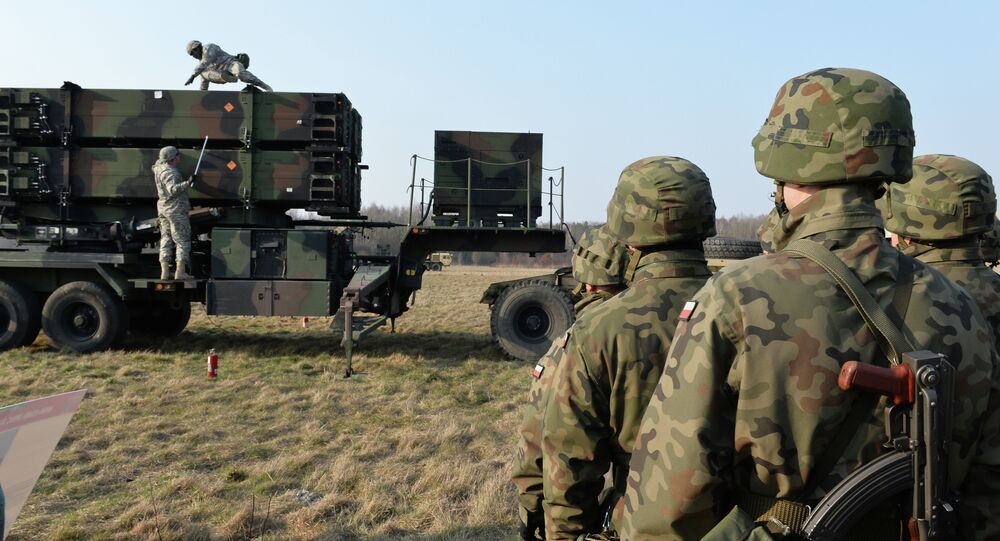 Amerykańscy wojskowi rozmieszczają system rakietowy Patriot na poligonie w Polsce