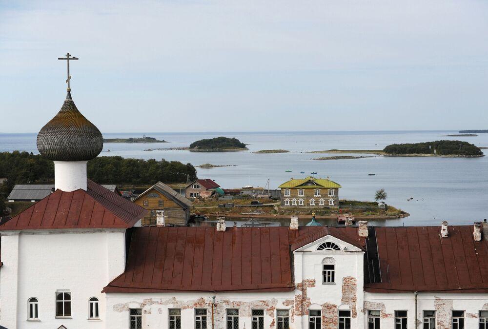 Widok na Wyspę Sołowiecką z Monastyra Sołowieckiego