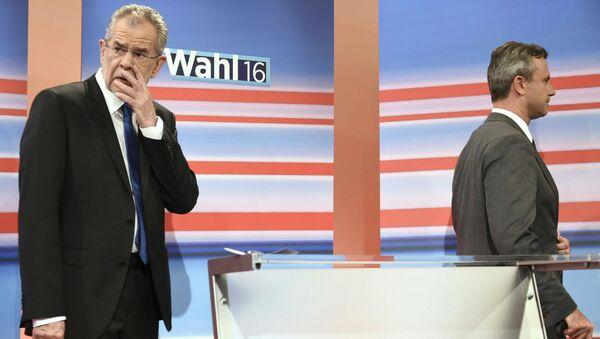 Alexander Van der Bellen i Norbert Hofer podczas debaty telewizyjnej - Sputnik Polska