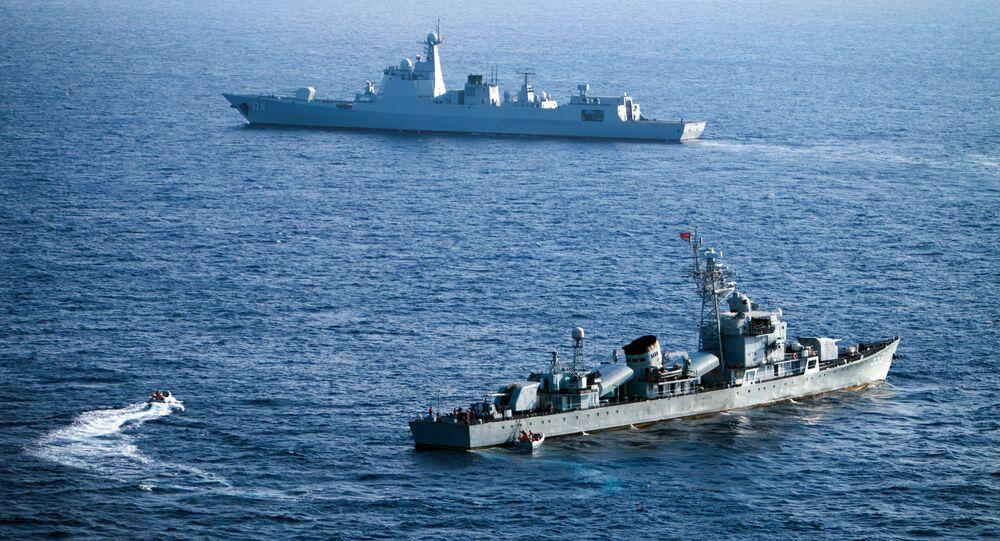 Chińskie okręty na Morzu Południowochińskim