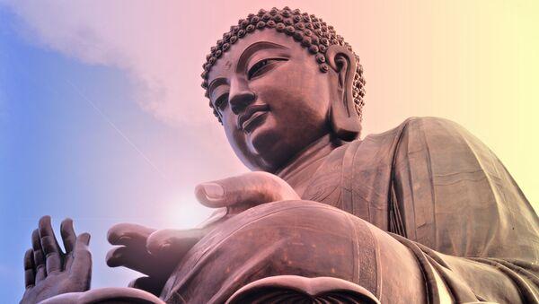 Posąg Buddy w Hongkongu - Sputnik Polska