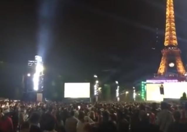Petarda wywołała panikę w strefie fanów w Paryżu podczas meczu ME-2016.