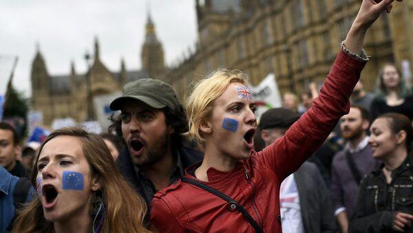 Protesty przeciwko Brexitowi w Londynie - Sputnik Polska