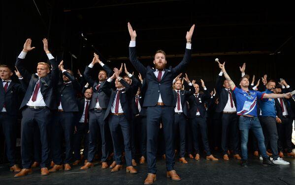 Reprezentacja Islandii wróciła do kraju po porażce w niedzielnym ćwierćfinale na Euro-2016 we Francji - Sputnik Polska