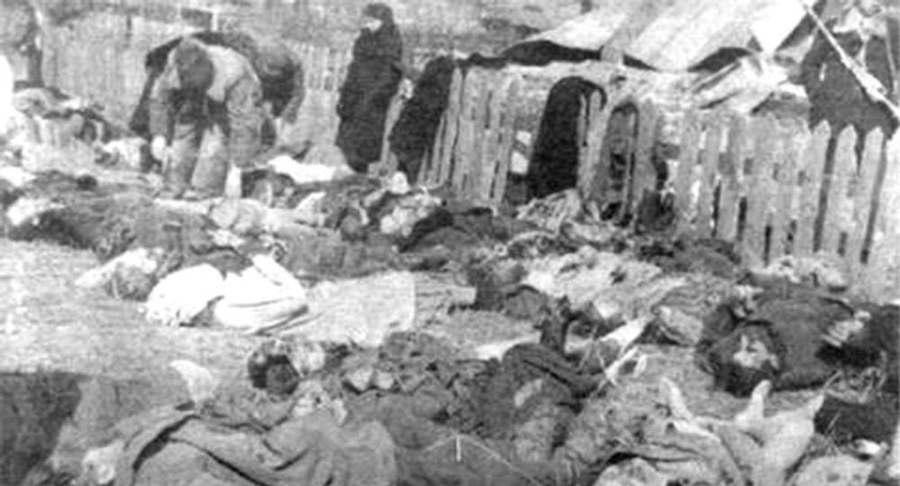 Ofiary Rzezi Wołyńskiej, zdjęcie archiwalne, rok 1943