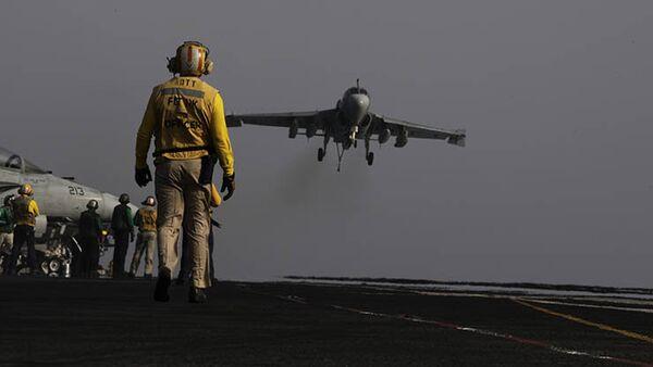 Amerykańskie siły powietrzne przeprowadzają naloty na Irak - Sputnik Polska