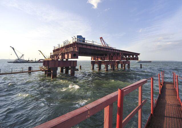 Budowa mostu przez Cieśninę Kerczeńską