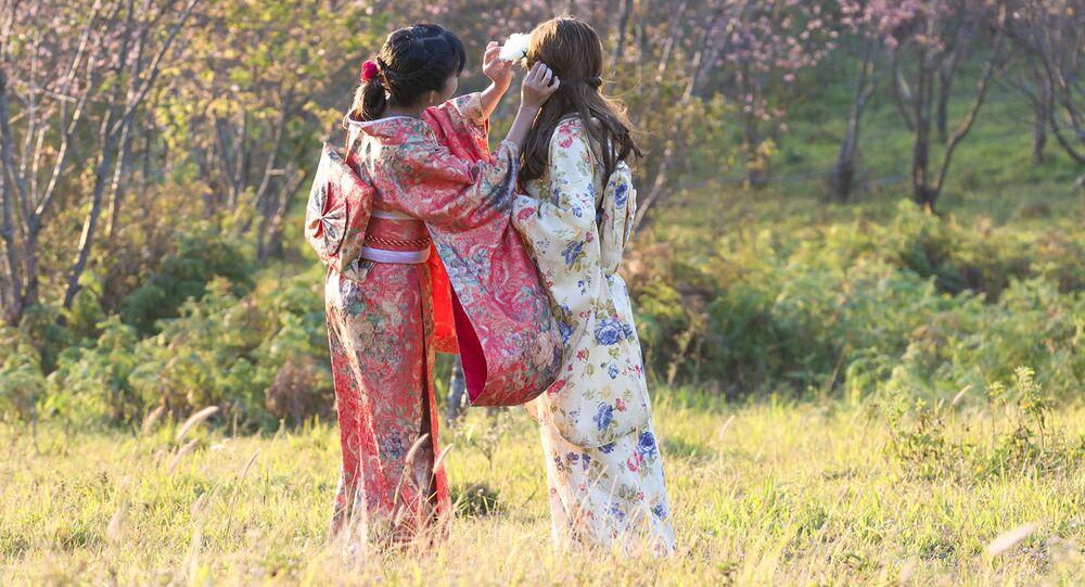 Dziewczęta w kimonie