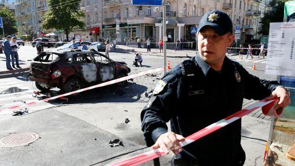 Policja otacza kordonem miejsce zabójstwa dziennikarza Pawła Szeremeta w centrum Kijowa - Sputnik Polska