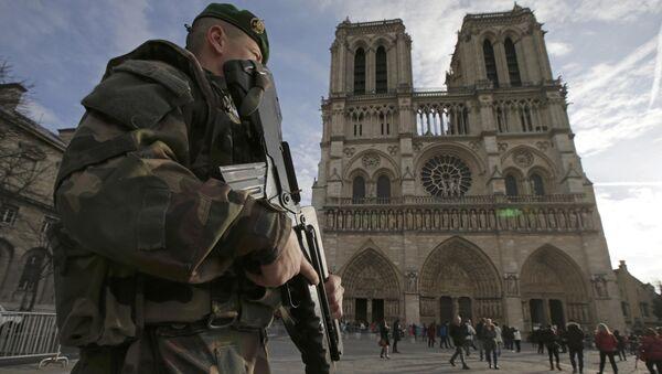 Katedra Notre-Dame w Paryżu. 24 grudzień 2015 rok. - Sputnik Polska
