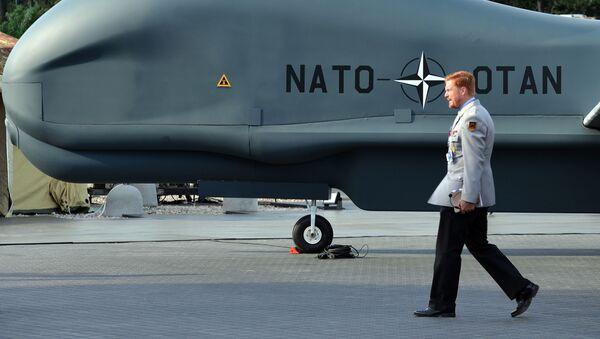 Samolot bezzałogowy NATO Global Hawk Block 40. przedstawiony na szczycie NATO w Warszawie - Sputnik Polska