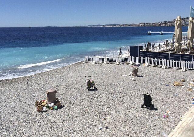 Nabrzeże w pobliżu Promenady Anglików w Nicei