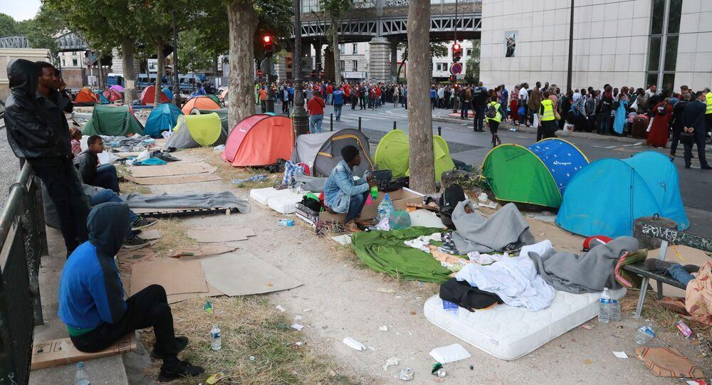 Likwidacja obozu nielegalnych imigrantów na północy Paryża